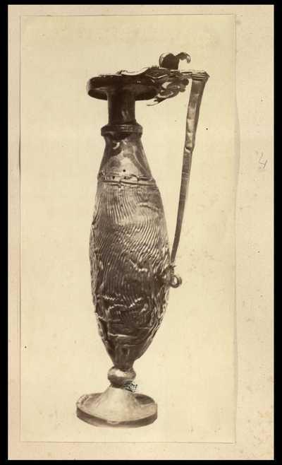 Brocca (oinochoe) con ansa a destra