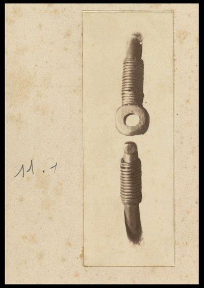 Anello di Petrosa con iscrizione runica. Dettaglio