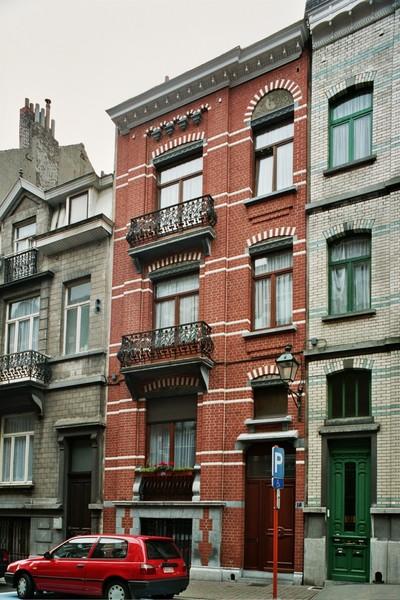 Rue André Hennebicq 18