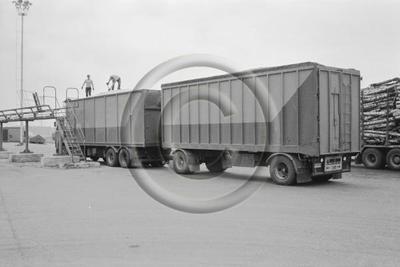 Puutavaran kuljetusta Enso-Gutzeit Oy:n Imatran tehtaille.