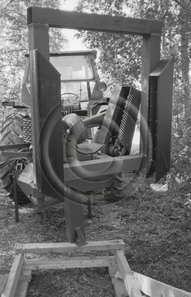 Puutavaran mittaukseen liittyvän anturiteknologian tutkimusta? Traktoriin asennettu prosessori.