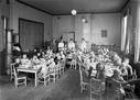 Ungdommens Røde Kors?s bespisning av barn