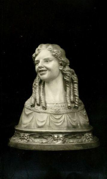 Busto ritratto di Lily