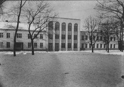 Klaipėda. Simono Dacho mokykla Naujojo parko aikštėje