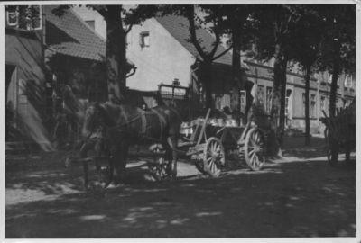 Klaipėda. Pienininko vežimas Aleksandro (dabar Liepų) gatvėje