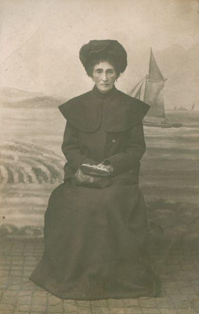 Fotonuotrauka. Lazdynų Pelėdos (S. ir M. Ivanauskaičių) motina
