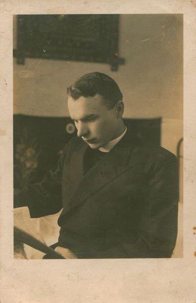 Nuotrauka. Rašytojas, kunigas S. Yla
