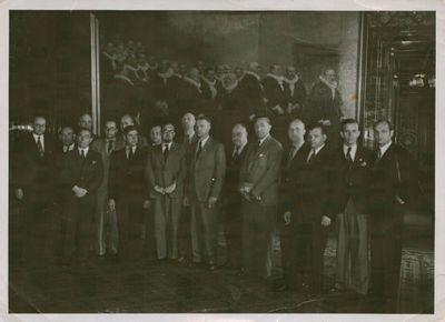 Nuotrauka. Žurnalistas J. Paleckis ir kiti