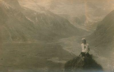 Nuotrauka. Ekskursantė iš Lietuvos Alpių kalnuose
