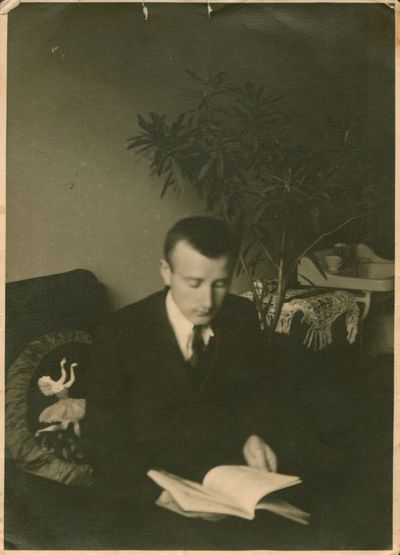 Nuotrauka. Rašytojas A. Vaičiulaitis J. Ambrazevičiaus namuose
