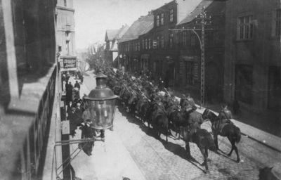 Klaipėda. Lietuvos kariuomenės daliniai Liepojos gatvėje streiko metu