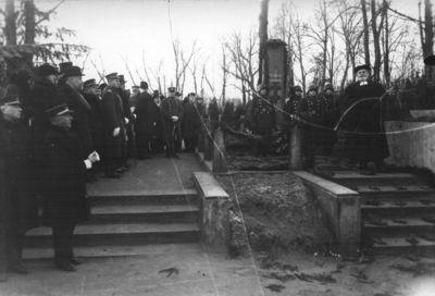 Klaipėda. Iškilmės prie 1923 m.žuvusių savanorių kapo