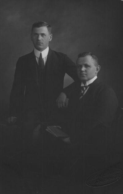 Kazys Trukanas (dešinėje) ir R. Jucaitis studijų Miunsterio universitete metu
