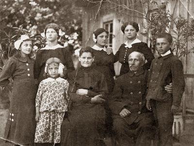 Ingelevičių šeima Kartanų kaime 1918 m. vasario 21 dieną