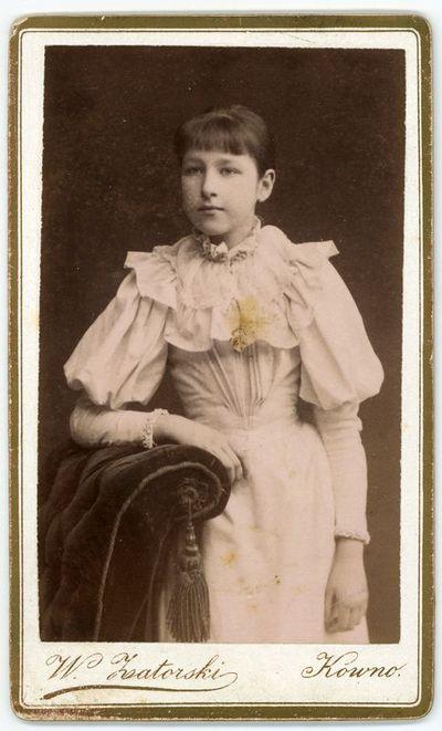 Augustino Paškevičiaus dukra Liucija (1881–1957). Kaunas, ~1893 metai