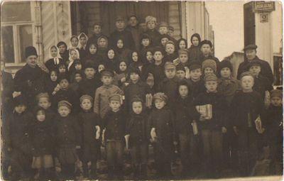 Lietuvių karo pabėgėlių mokykla 1916–1917 m. Kinešmoje