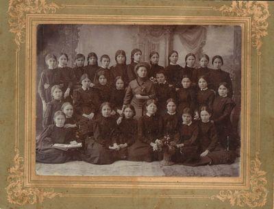 Lietuvių mergaičių gimnazijos mokinės Novouzenske 1917 m.