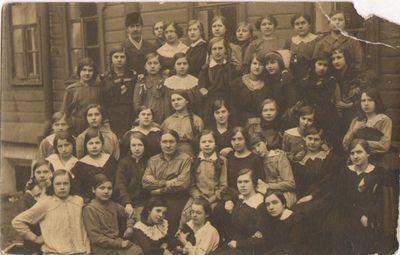 Lietuviai prie bendrabučio Voroneže 1918 m.