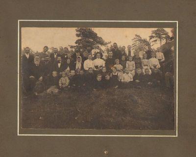 Lietuviai karo pabėgėliai mokytojai, mokiniai, tėveliai Saratove 1916 m.
