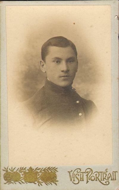 Moksleivis V. Lukša