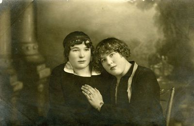 Dviejų merginų fotoportretas