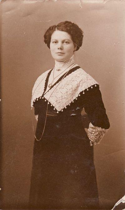 Liūnės Janušytės motina Zofija Litvin-Janušienė