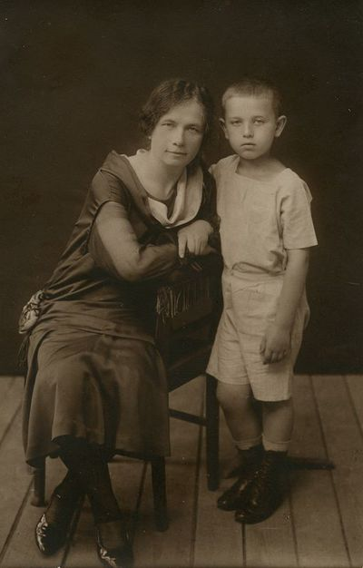 Marija Šlapelienė su Skaistučiu