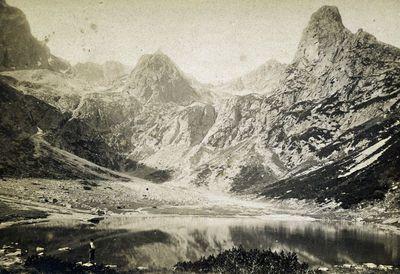 Žaliasis ežeras Karpatų kalnuose