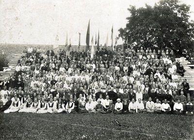 Kretingos katalikų jaunimo šventės dalyviai