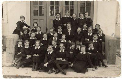 Mergaičių gimnazijos I klasė. 1935 m.