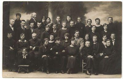 Marijampolės mokytojų seminarijos II b kursas. 1925 m.