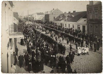 Tragiškai žuvusio darbininko laidotuvės Marijampolėje 1938 m.