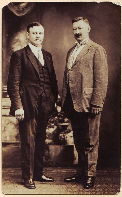Mikas Petrauskas (dešinėje) su Baliu  Žygeliu