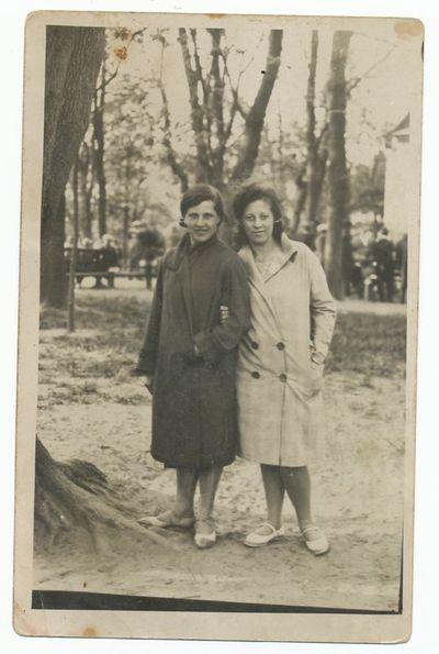 Tado Lomsargio sesuo Elena su drauge
