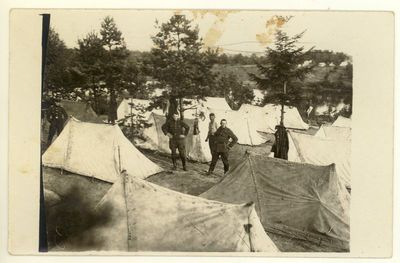 Kariuomenės poligone įrengta stovykla