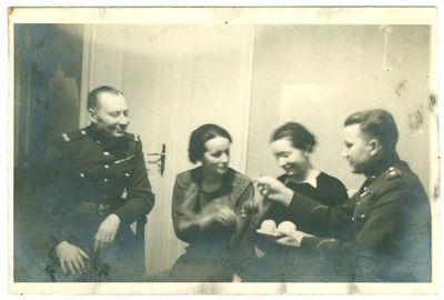Lietuvos kariuomenės karininkai laisvalaikiu