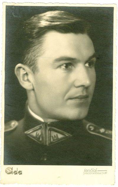Nepriklausomos Lietuvos kariuomenės karininkas Kazys Mažonas
