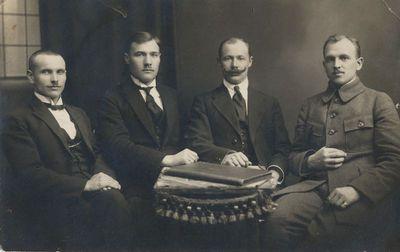 Alytaus miesto burmistras E. Neverauskas su tarnautojais