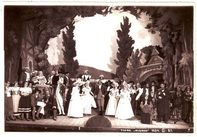 Scena iš Ambruazo Toma operos Minjon