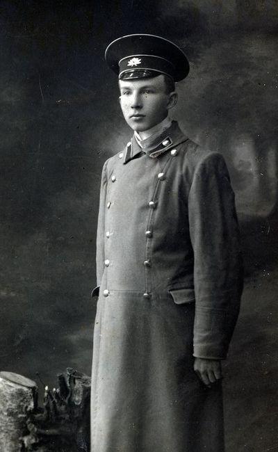 Gimnazistas, poetas Juozas Butkus (Butkų Juzė; 1893–1947)