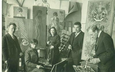 Vladas Didžiokas tapybos studijoje