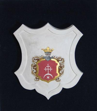 Gipsinis kartušas su kunigaikščių Višnioveckių giminės herbu