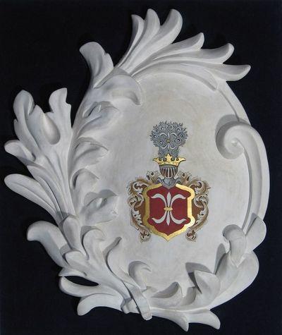 Gipsinis kartušas su bajorų ir didikų Pacų giminės herbu