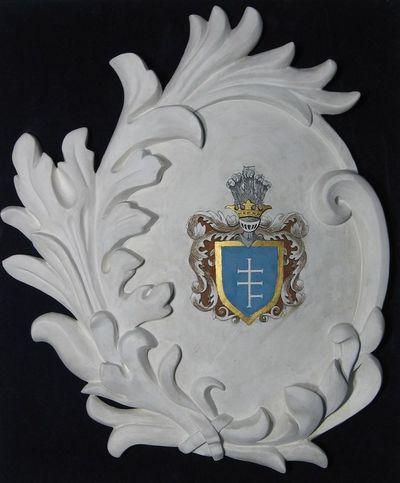 Gipsinis kartušas su didikų Potockių giminės herbu
