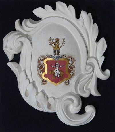 Gipsinis kartušas su bajorų Galinskių giminės herbu