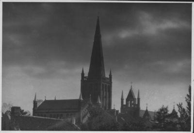 Klaipėda. Reformatų ir evangelikų liuteronų (Laukininkų) bažnyčių vaizdas iš Šv. Jono bažnyčios bokšto