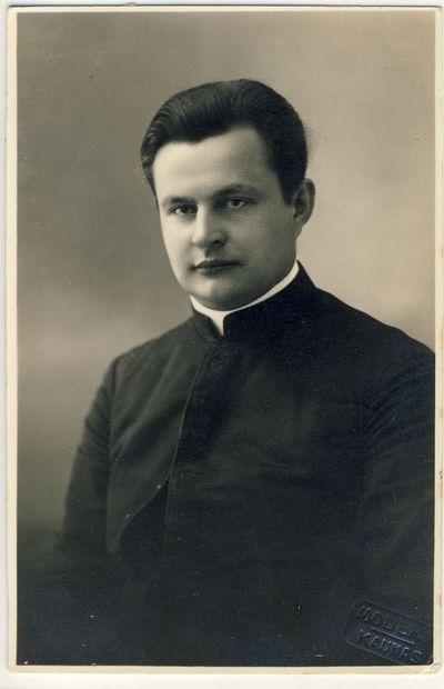 Kunigas Edvardas Einoris