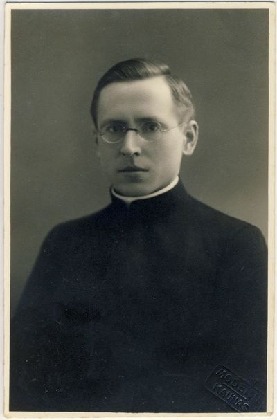 Kunigas Paulius Juknevičius