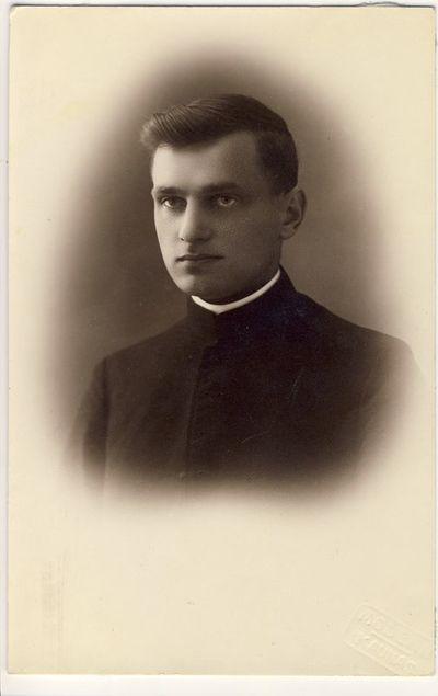 Kunigas Alfonsas Gleveckas