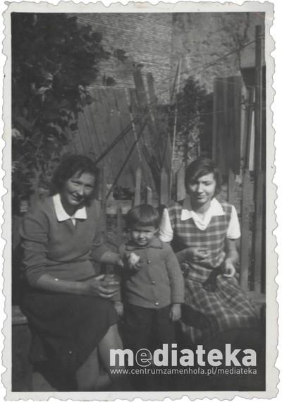 Zdjęcie rodzinne Ulmanów, ul. Starobojarska 5, Białystok, lata 60. XX w.
